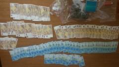 В Китен задържаха братя наркопласьори и с фалшиви евро