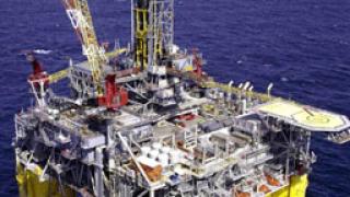 Цената на петрола остава да се търгува в ниските нива