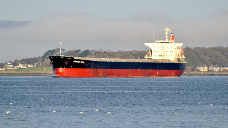 Как пресъхващите реки в Европа докарват танкери с гориво от Азия?