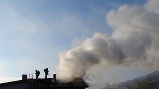 Без опасност за околната среда след пожара в складове в София