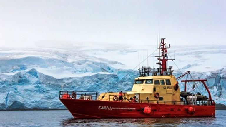 Тринадесетте полярници от 28-та Българска антарктическа експедиция след едноседмично забавяне,