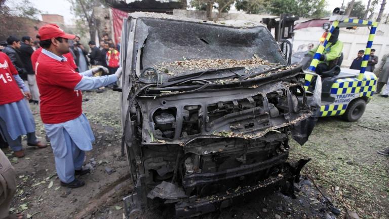 Атентат в Пакистан отне живота на десетки хора