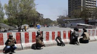 Взрив и въоръжено нападение срещу правителствена сграда в Кабул