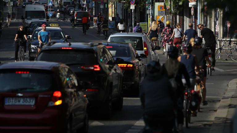 Новите продажби на бензинови и дизелови автомобили в Европа трябва