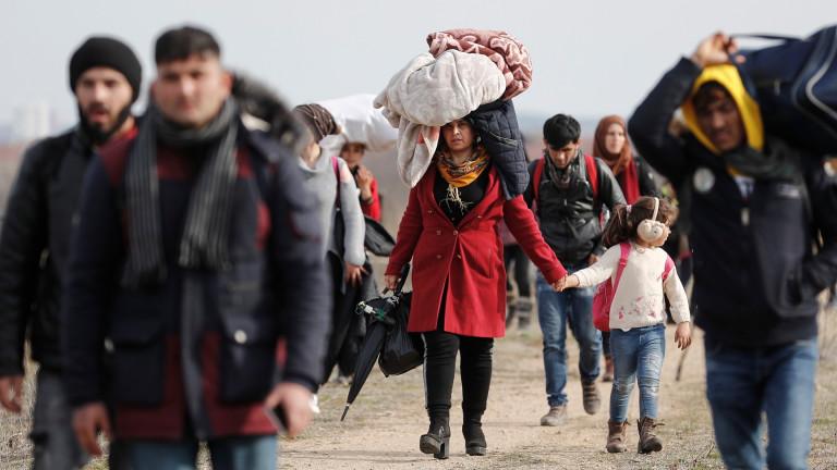 """Ердоган няма да затваря портите към Европа, пуска """"милиони бежанци"""""""