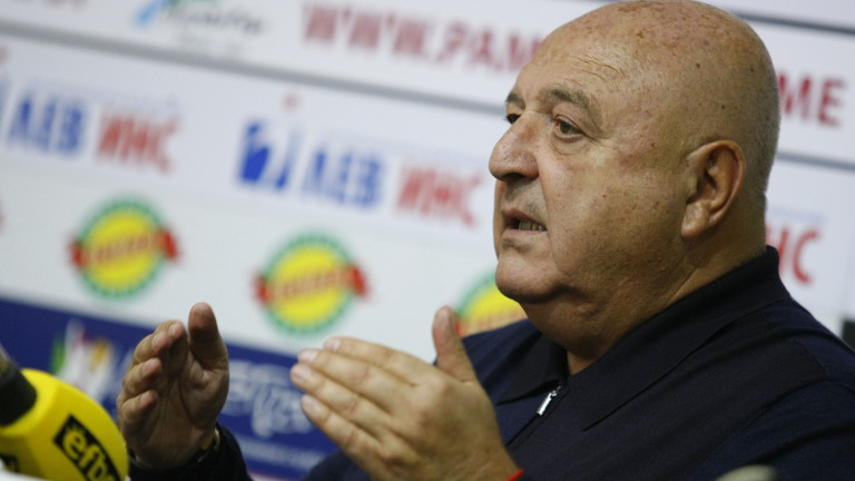 Ексцентричният президент на Славия - Венцеслав Стефанов увери футболната общественост,