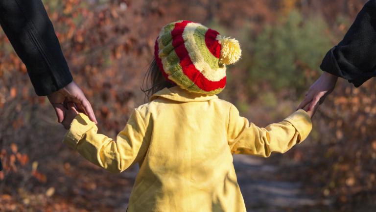 Чужденците осиновяват повече деца от българите