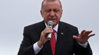 Ердоган се озъби на Египет, Морси бил убит