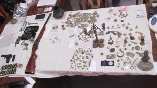 Предотвратиха незаконна търговия с антични предмети в Пазарджик