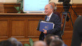 Петков обсъжда минималната заплата с работодатели и синдикати