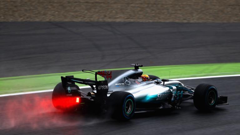 Люис Хамилтън потегля от първа позиция в Гран при на Великобритания