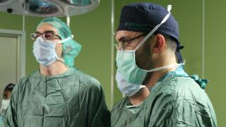 Излекуваха 2-месечно момиченце с тумор в бъбрека