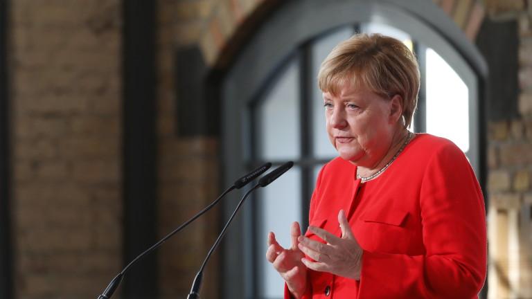 Меркел: Обединението на Германия не е приключило