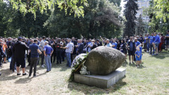 """Вижте как феновете приветстваха Сираков на """"Могилката"""""""