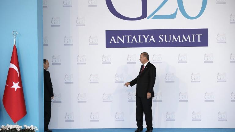 Атовете в Москва и Анкара спряха да се ритат. Ние какво ще правим?