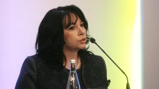 Токът няма да поскъпне с 30 %, успокоява Теменужка Петкова