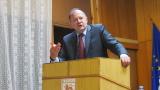 Битката за лидерския пост в БСП - изгубено политическо време