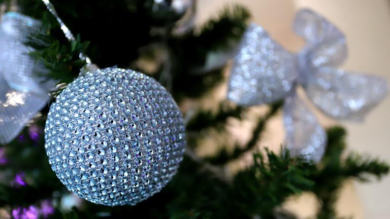 """Коледната елха и украсата стават новата """"жертва"""" на по-високите цени"""