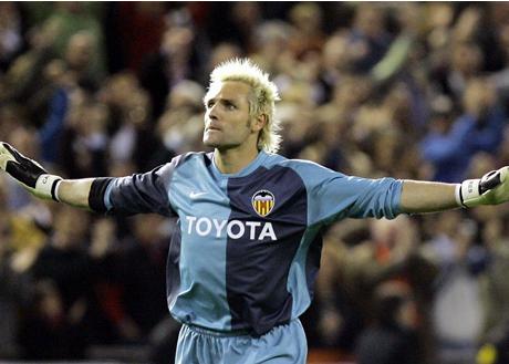 Сантяго Канисарес e най-великият вратар в историята на Валенсия