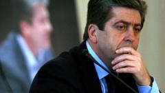Янев говори смешки, отсече Първанов