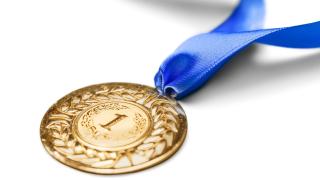 Наши ученици завоюваха златни медали по математика в Тайланд