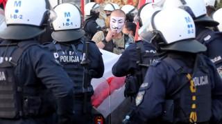 278 поляци задържани на протестите във Варшава срещу ограниченията