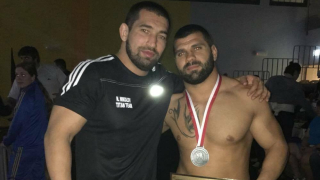 Медалист от европейското по сумо отдаде значимото на треньорите си