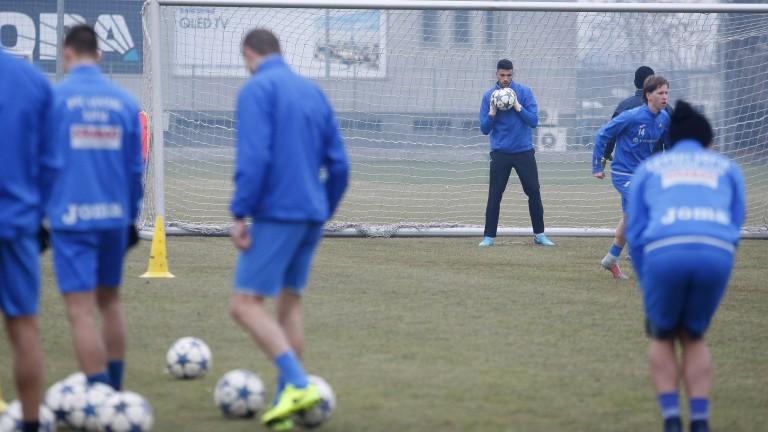 Спас Русев проследи и вечерната тренировка на Левски