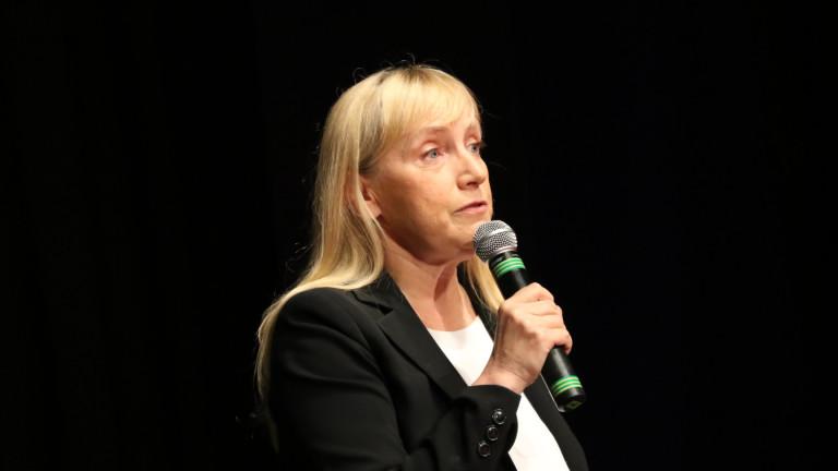 Елена Йончева: Стойностната журналистика няма съюзник в лицето на българската държава