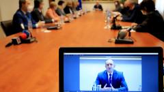Румен Радев иска българите да са убедени, че властта търси най-добрите решения за вота