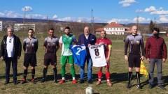 Красен Кралев изгледа на живо футболния двубой между отборите Камчиец и Аксаково