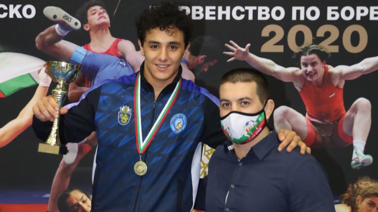 Едмонд Назарян с приза за най-техничен борец