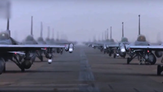 ВВС на Южна Корея приземи своите Ф-16 след проблем с двигатели и катапултирал пилот