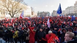 Европейската комисия плаши Полша с нечувани мерки