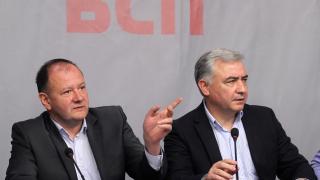 Нямам спомен някой от БСП да се е крил в посолство, чуди се Миков на Местан