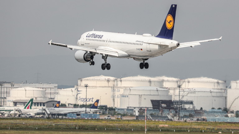 """Сигнал за бомба евакуира пътнически самолет на """"Луфтханза"""" в Сърбия"""