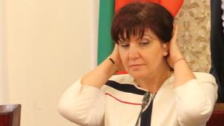 Цвета Караянчева обвинява Радев в метеж и безредици