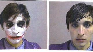 Мъж, маскиран като Жокера, бе арестуван при опит да обере кино
