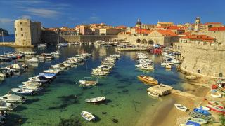 Новата любима туристическа дестинация на Европа е толкова скъпа, че местните не почиват там