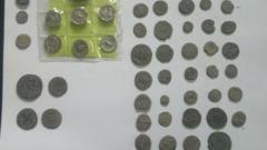 Ретро оръжия и археологически находки открили полицаи в селска къща