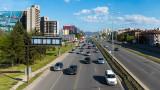 """Кола се заби в колонка на бензиностанция на """"Цариградско шосе"""""""
