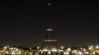 Айфеловата кула изгасва в знак на солидарност към жертвите от Манчестър