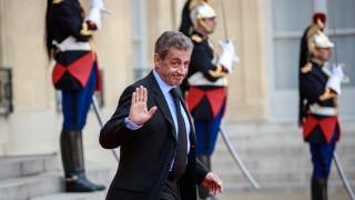 Европа и Западът са в упадък, вярва Саркози