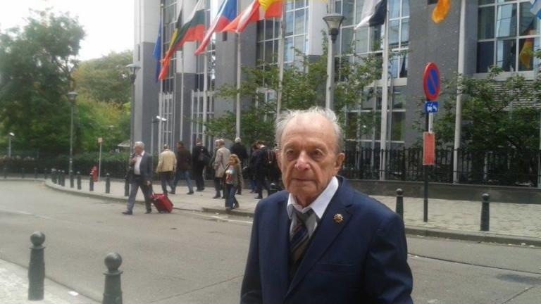 Военният министър Красимир Каракачанов призова представители на Българския хелзинкски комитет