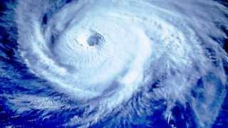 """17 жертви на тайфуна """"Парма"""" във Филипините"""