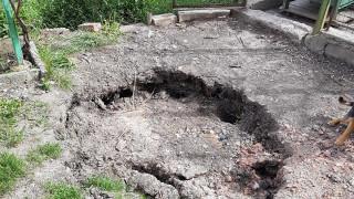 """Къщи в пернишкия квартал """"Рудничар"""" потъват заради незаконен добив"""