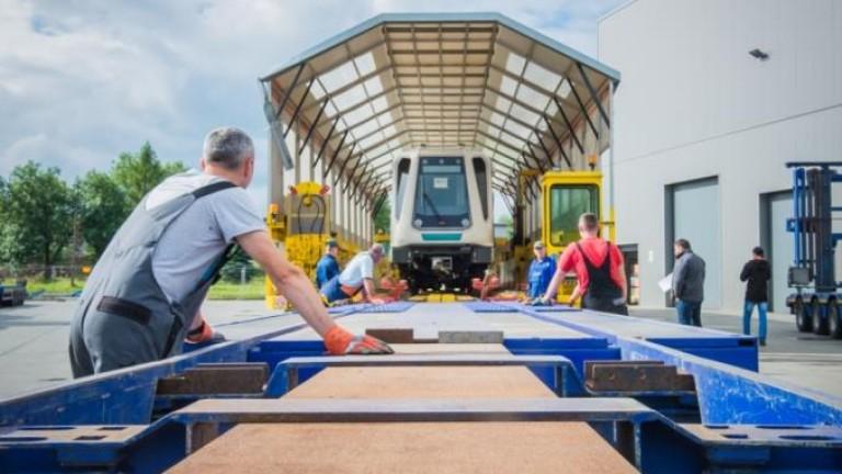 Фандъкова показа новия влак за третия лъч на метрото