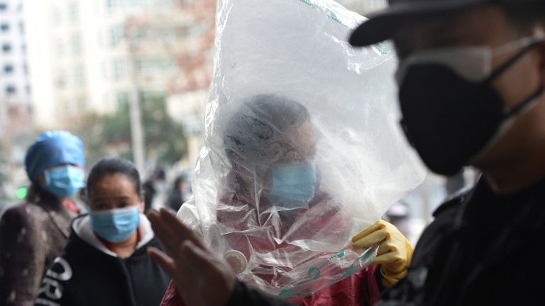Близо всеки пети случай на коронавирус в Китай може да е с фатален край