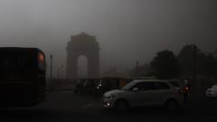 Мощни бури убиха най-малко 40 души в Индия
