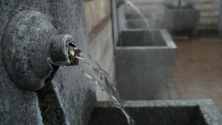 Кметът на Разлог забрани извозването на минерална вода с цистерни до хотелите в Банско